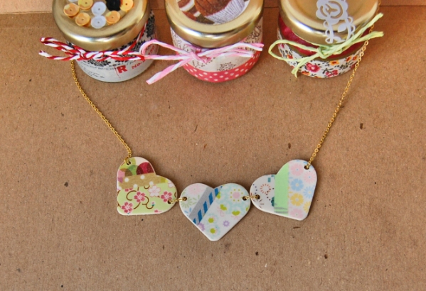 detalles-collar-tres-corazones